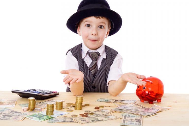 Nhưng nếu bắt đầu tiết kiệm khi đã 55 tuổi bạn sẽ phải để dành 156,12$  (3.551.730 VND) mỗi ngày