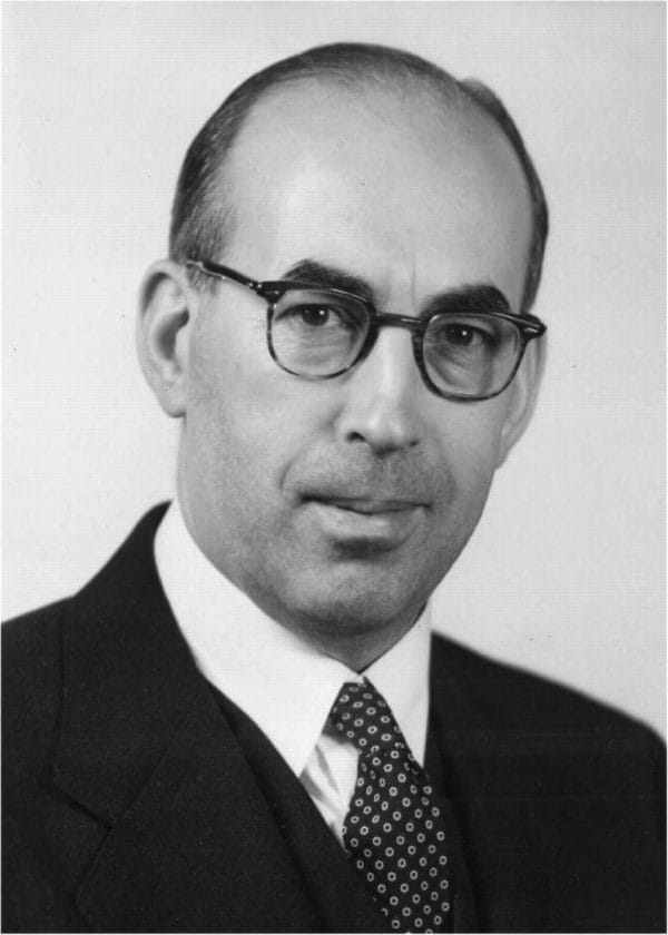 Philip Fisher - cha đẻ của học thuyết tăng trưởng.