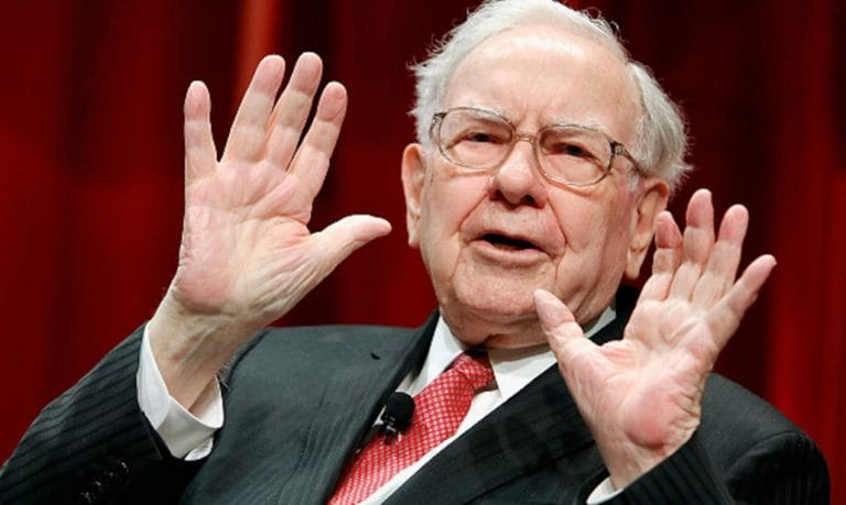 Warren Buffett, Donadl Trump, vay nợ