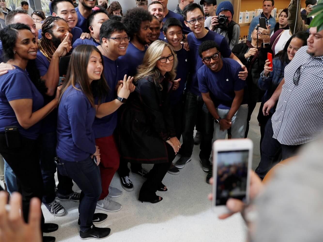 Dưới sự dẫn dắt của Ahrendts, hệ thống bán lẻ của Apple có nhiều bước tiến