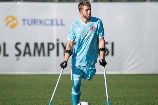 Martin Heald – Cầu thủ thi đấu với 1 chân