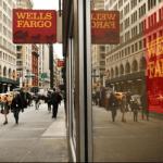 Năm 1990, tổng tải sản Wells Fargo là 56 tỷ, vốn chủ trên 3 tỷ, lợi nhuận trước thuế trên 1 tỷ, sau khi đã trích lập dự phòng 300 triệu.