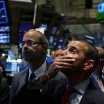 Nếu tính trong 1 tuần, chỉ số Dow Jones giảm 3,57%, S&P 500 mất 3,27% và Nasdaq trượt dốc 4,56%.