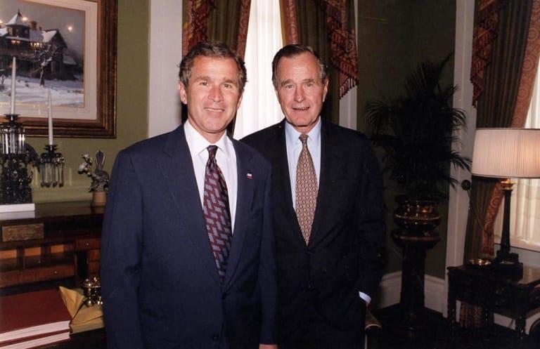 Chính sách không hiệu quả khiến chiến dịch tái tranh cử của Bush thất bại