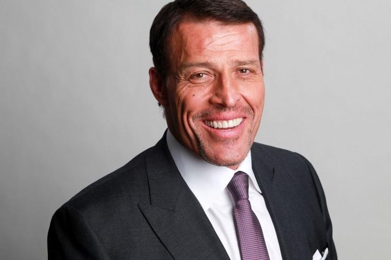 Tony Robbins đã học được những gì từ những tư duy tài chính hàng đầu?