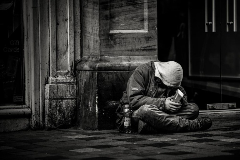 Tony Robbins: Cuộc đời sẽ trả cho bạn bất cứ giá nào mà bạn yêu cầu