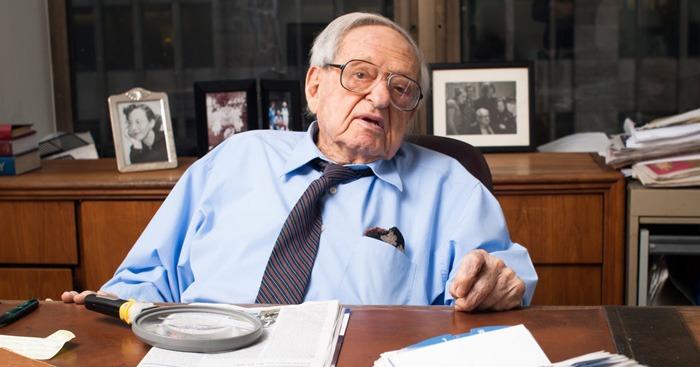 Nhiều người nhận xét nếu Irving Kahn chết năm 50 tuổi thì sẽ chẳng ai biết đến ông.