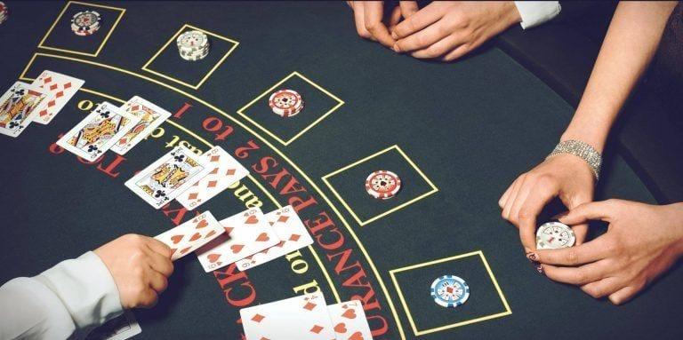 Giới thiệu về blackjack và luật chơi cơ bản | Happy Live