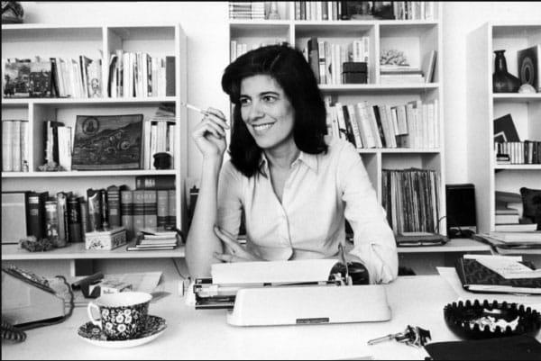 Susan Sontag là nhà văn, nhà làm phim người Mỹ, nhà triết học, giáo viên và nhà hoạt động chính trị.