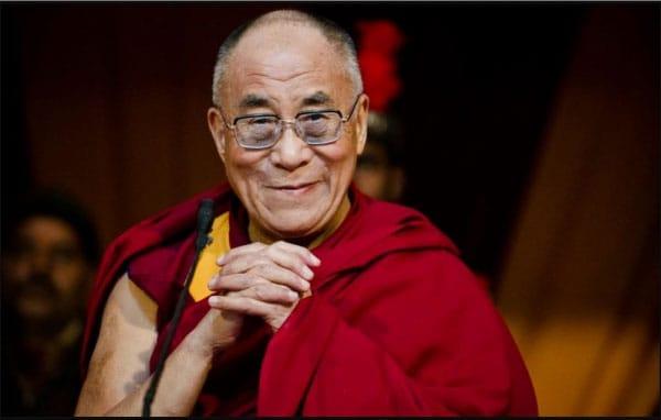 Sư được trao giải Nobel Hòa bình năm 1989, đồng thời là người đại diện Phật giáo xuất sắc hiện nay trên thế giới.