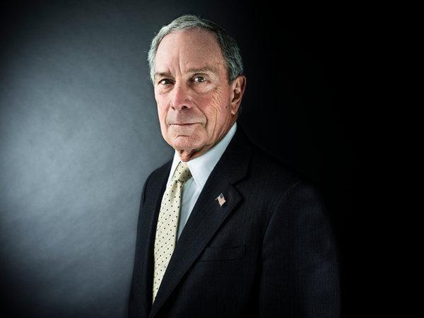 """Michael Bloomberg """"Ánh sáng soi đường"""" của Dorsey"""