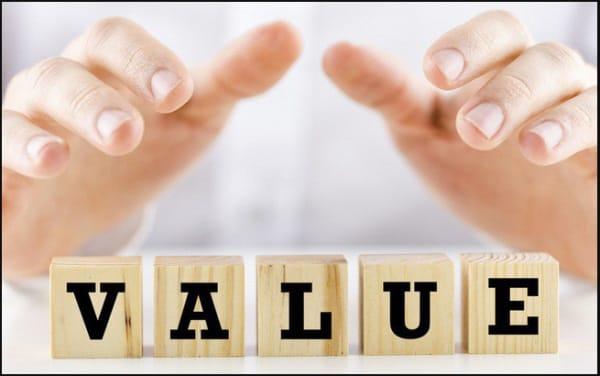 Việc có một tầm nhìn dài hạn khi bạn theo đuổi triết lý đầu tư theo giá trị trong sự nghiệp đầu tư của bạn.