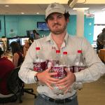 Chàng phóng viên Bob Bryan thử học cách ăn của vị tỷ phú đầu tư trong 5 ngày