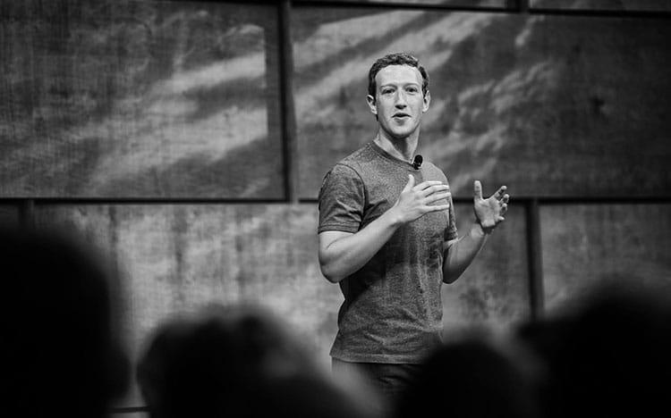 CEO 33 tuổi của Facebook. Mark Zuckerberg