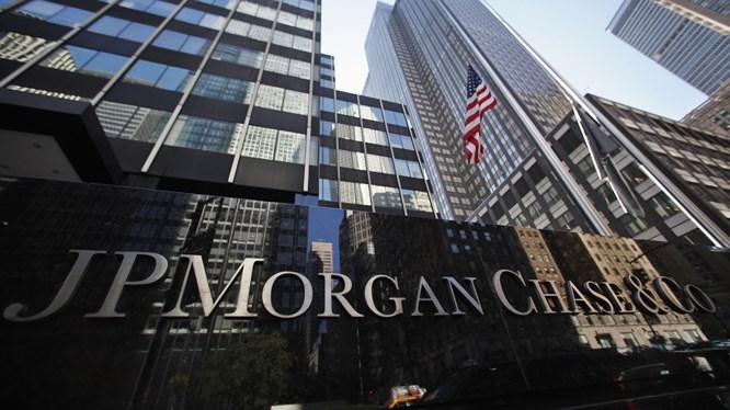 JPMorgan Chase là một trong những hãng dịch vụ tài chính lâu đời nhất trên thế giới. Công ty này có trụ sở tại Thành phố New York, là đơn vị hàng đầu trong dịch vụ tài chính, lĩnh vực ngân hàng đầu tư và quản lý tài sản.
