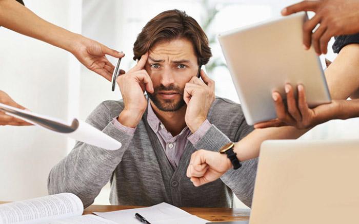 Email công việc thường là ác mộng đối với nhân viên công sở.