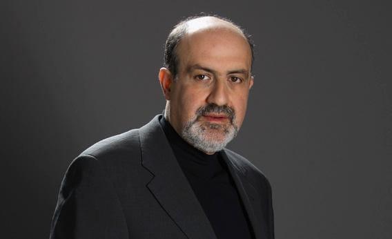 """Giáo sư Nassim Taleb, chuyên gia dự báo khủng hoảng kinh tế - cha đẻ của lý thuyết """"thiên nga đen"""""""