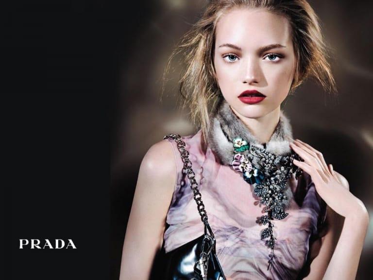 TRong thế giới thời trang, rất ít thương hiệu có thể làm được như Prada