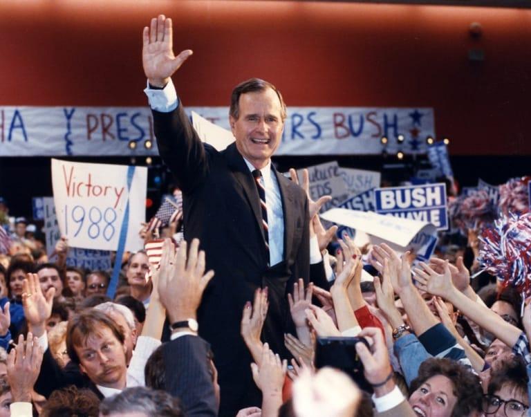 Bush giành chiến thắng trong bầu cử tổng thống