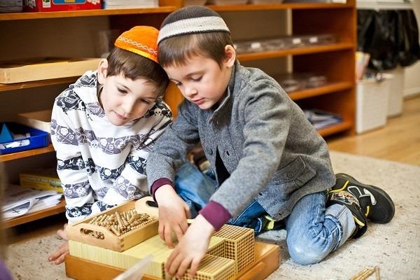 Từ chuyện giấu con là thần đồng cho thấy cách dạy con độc đáo của người Do Thái