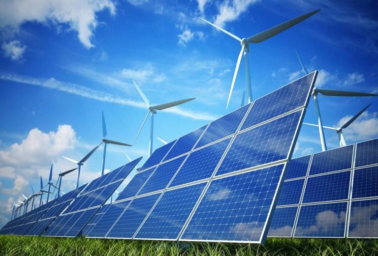 Năng lượng tái tạo bắt đầu được đầu tư nghiên cứu sau cuộc hoảng dầu mỏ 1973-1974.