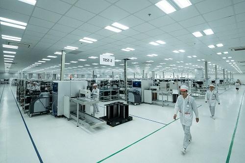 Toàn bộ nhà máy được thiết kế và thi công theo tiêu chuẩn quốc tế IPC-A-610 dành cho các nhà máy sản xuất sản phẩm điện tử