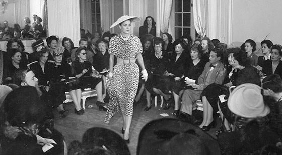 """Buổi trình diễn """"New Look"""" năm 1947"""
