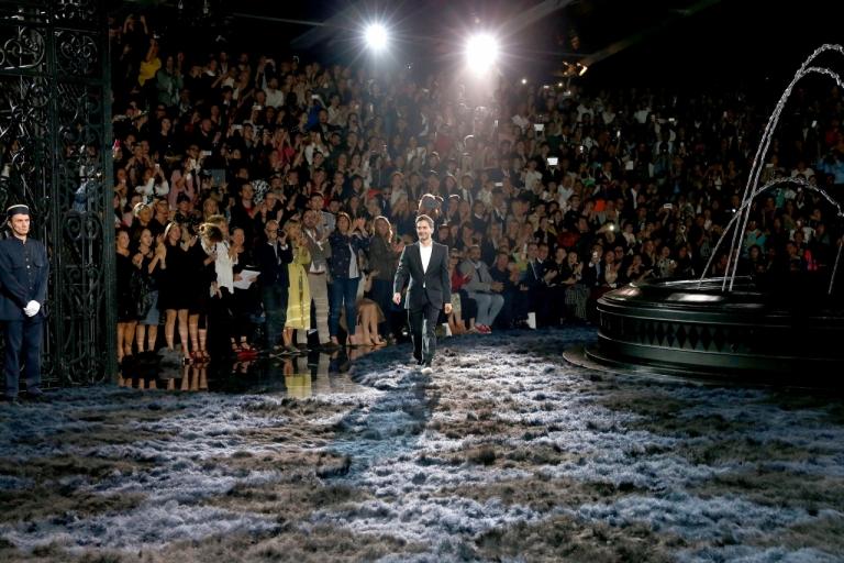 Marc Jacobs trong buổi diễn cuối ngày 2/10/2013 trước khi rời Louis Vuitton để tập trung cho IPO thương hiệu riêng