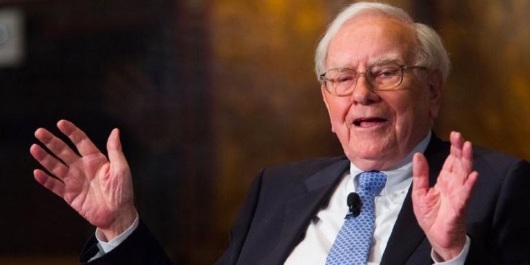 """Với Warren Buffett thì: """"Tăng đôi tài sản không giúp bạn hạnh phúc hơn"""""""