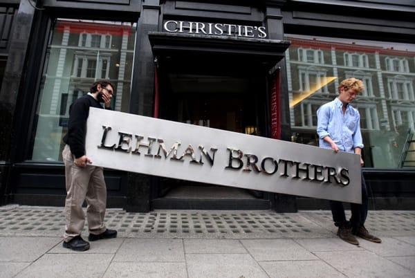 theo các chuyên gia kinh tế, ngân hàng này cũng chỉ là một trong những quân cờ Domino bị sụp đổ trong một phản ứng dây chuyền đầu năm 2008