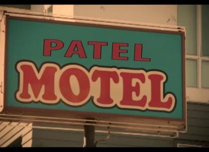 Các đối thủ dần dần rơi rụng vì không cạnh tranh được với lợi thế của Patel Motel