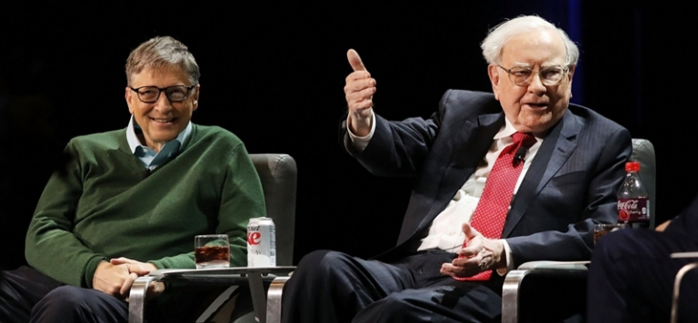 Warren Buffett và Bill Gates vẫn khá lạc quan trước những dự đoán về kinh tế trong tương lai