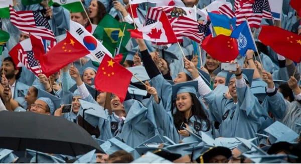 sinh viên Trung Quốc bị cắt ngắn thị thực