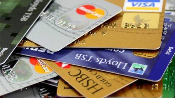 hạn chế sử dụng thẻ tín dụng