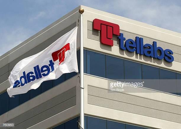 Tôi thành lập TransTech vào tháng Hai năm 1990 trong khi tiếp tục làm việc tại Tellabs.