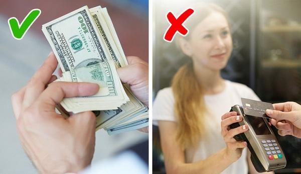 hãy dùng tiền mặt