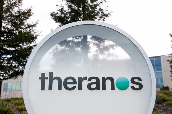 Tháng 4/2017, Theranos phải trả cho các khách hàng ở bang Arizona, Mỹ số tiền 4,65 triệu USD