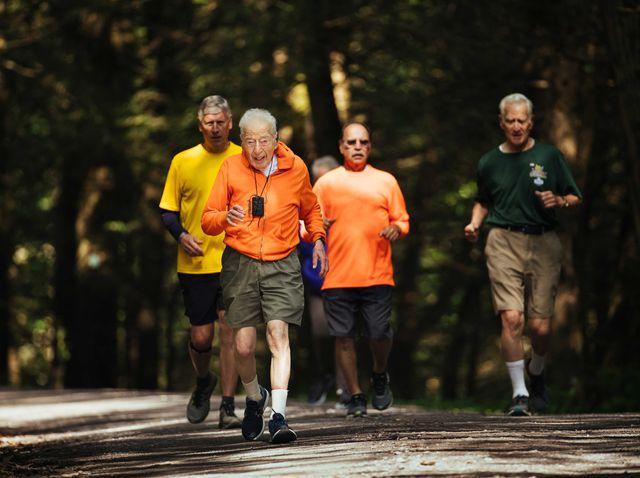 Cụ bắt đầu tìm kiếm ứng viên cho cuộc thi marathon 80km cho người già
