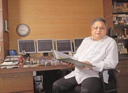 Nhà đầu tư dài hạn thành công kiêm trader Rakesh Jhunjhunwala