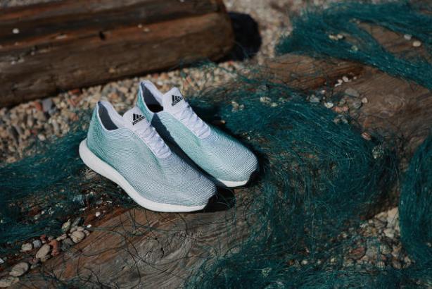 Adidas và lời thề 'chỉ sử dụng nhựa tái chế cho tất cả sản phẩm vào năm 2024'