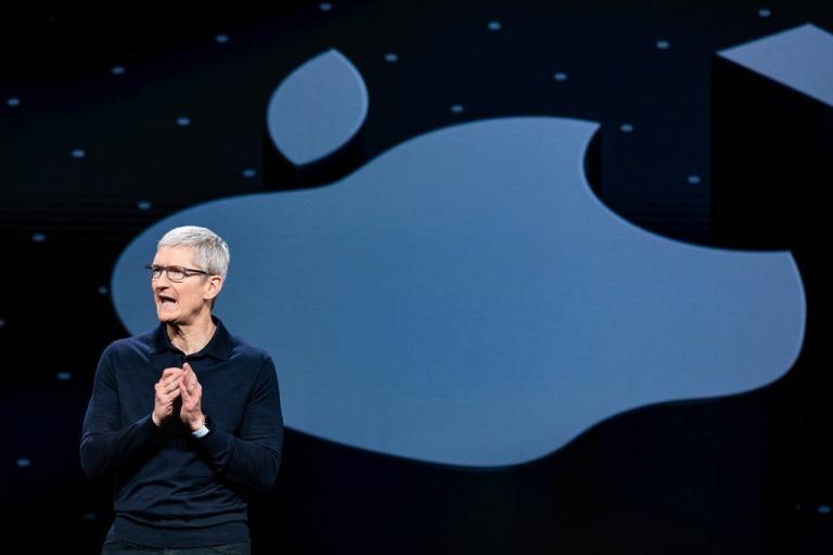 Trước khi trở thành một trong những công ty giá trị nhất thế giới, Apple từng suýt phá sản. Ảnh: The New York Times