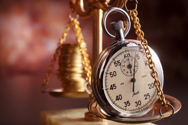Những người thành công luôn biết rằng, thời gian còn quan trọng hơn tiền bạc. Tiền bạc có thể làm ra, nhưng thời gian không thể lấy lại.
