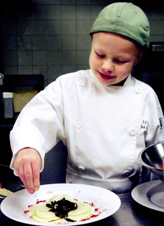 Jack Witherspoon - Chàng trai chiến thắng căn bệnh ung thư và mở công ty nhờ tài nấu ăn