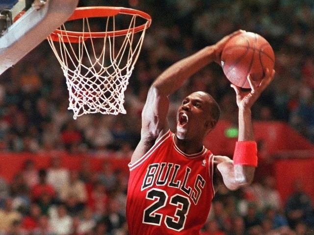Michael Jordan là một trong những tên tuổi gắn liền với Nike