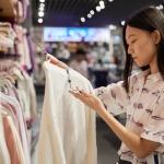 """Giới trẻ Châu Á """"tiêu tiền như người Mỹ"""" và gánh nặng nợ ngập đầu"""