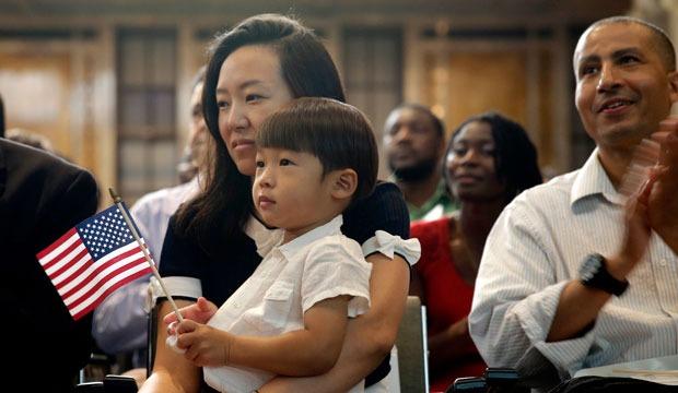 Tại sao người Mỹ gốc Á có thu nhập theo hộ gia đình cao nhất ở Mỹ?