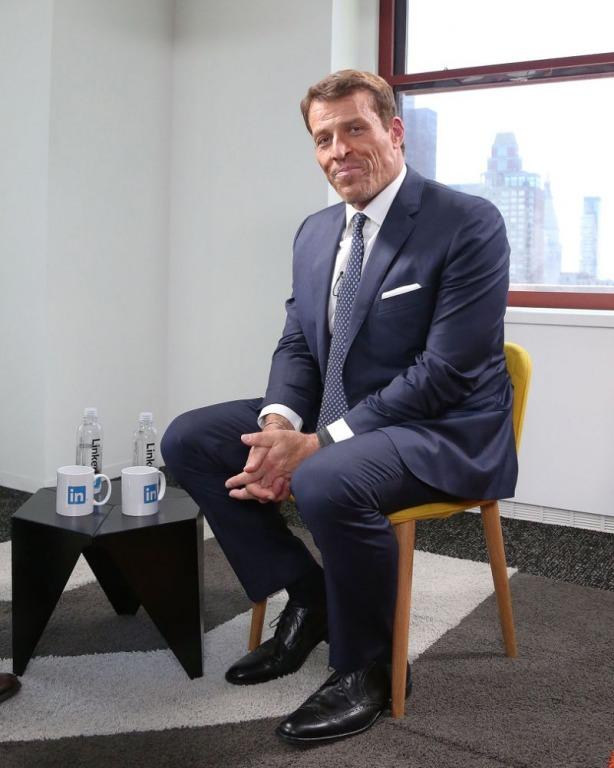 Ngày triệu phú Tony Robbins trở thành 'người giàu có' là khi chỉ còn $ 22 trong túi