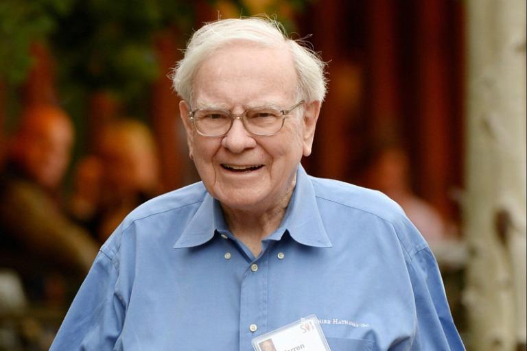 Warren Buffett: Đừng bao giờ nghe lời chuyên gia khi đầu tư