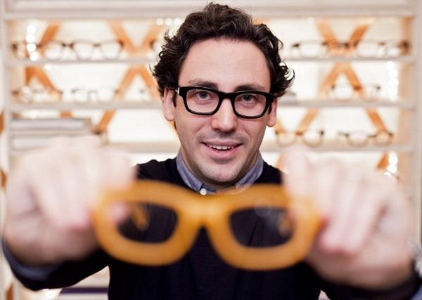"""""""Kỳ lân"""" Warby Parker phá thế độc quyền thị trường kính mắt"""