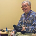 Câu chuyện cảm động về lòng hảo tâm của một người đánh giày